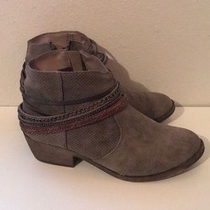 Women's 8.5 So Ankle Boots